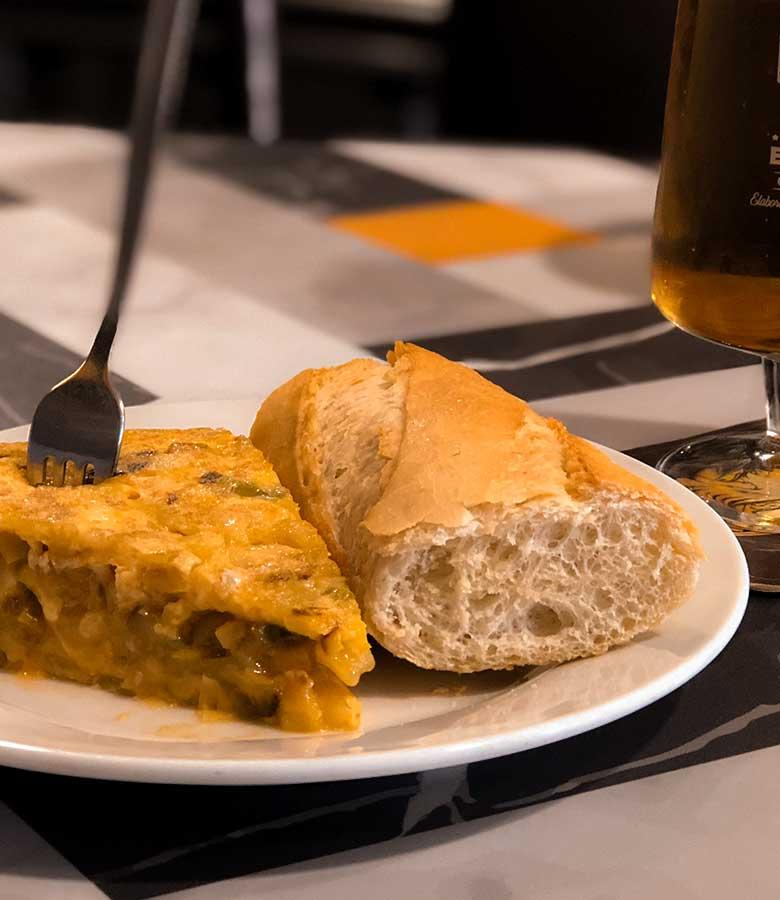pincho-de-tortilla-y-cerveza